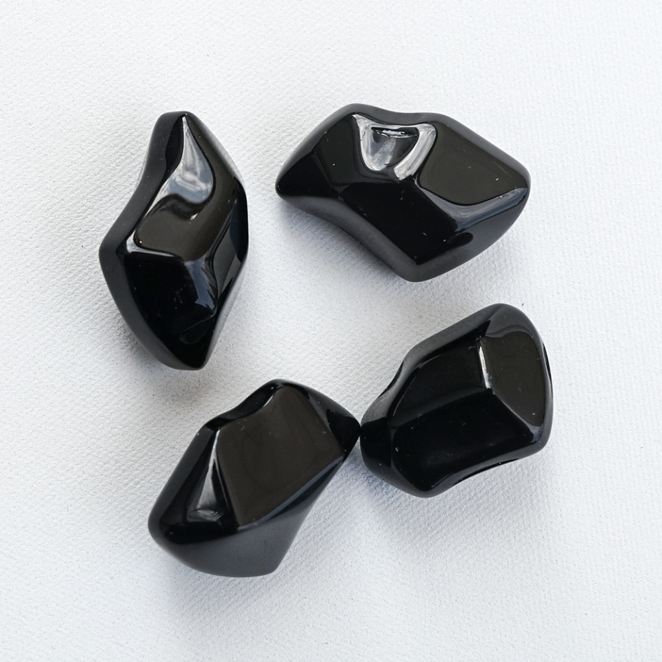 Decorative stones FIRE GLASS - black crystal